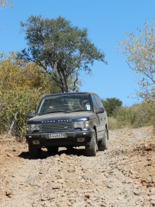 Range Rover at Kgwebe Hills